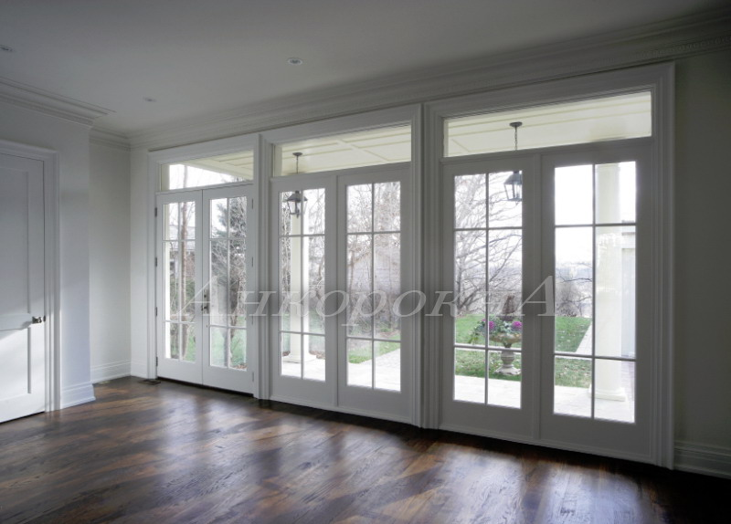 классические французские окна в пол