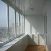 остекление балкона металлопластиком