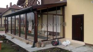 раздвижные окна и двери от пола до потолка в коттедж на веранду