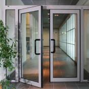 двустворчатые алюминиевые двери спб
