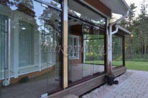 безрамное остекление веранды в России фото1
