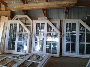 окна стеклопакеты в обсаде для деревянных домов