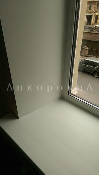 пвх, металлопластиковый профиль окон вблизи - фото