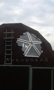 нестандартное остекление треугольными окнами - фото