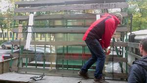 арочные стеклопакеты и окна в магазины фото