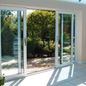 раздвижные окна и двери на веранду патио