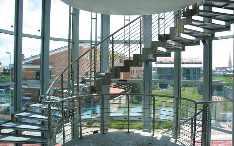 скругленные лестницы производство италия