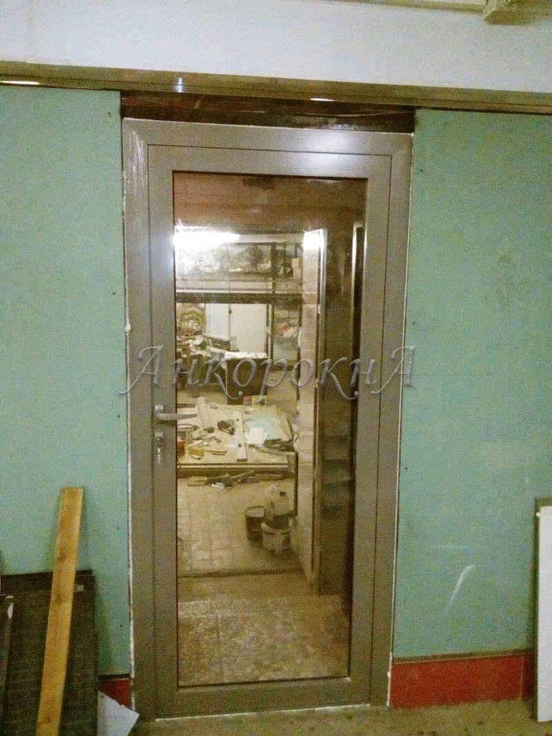 Установка алюминиевой двери в Сестрорецке