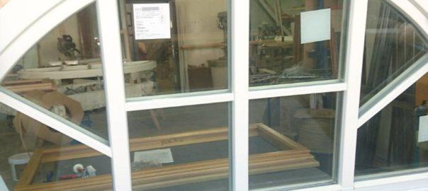 заказать арочное окно в СПб фото