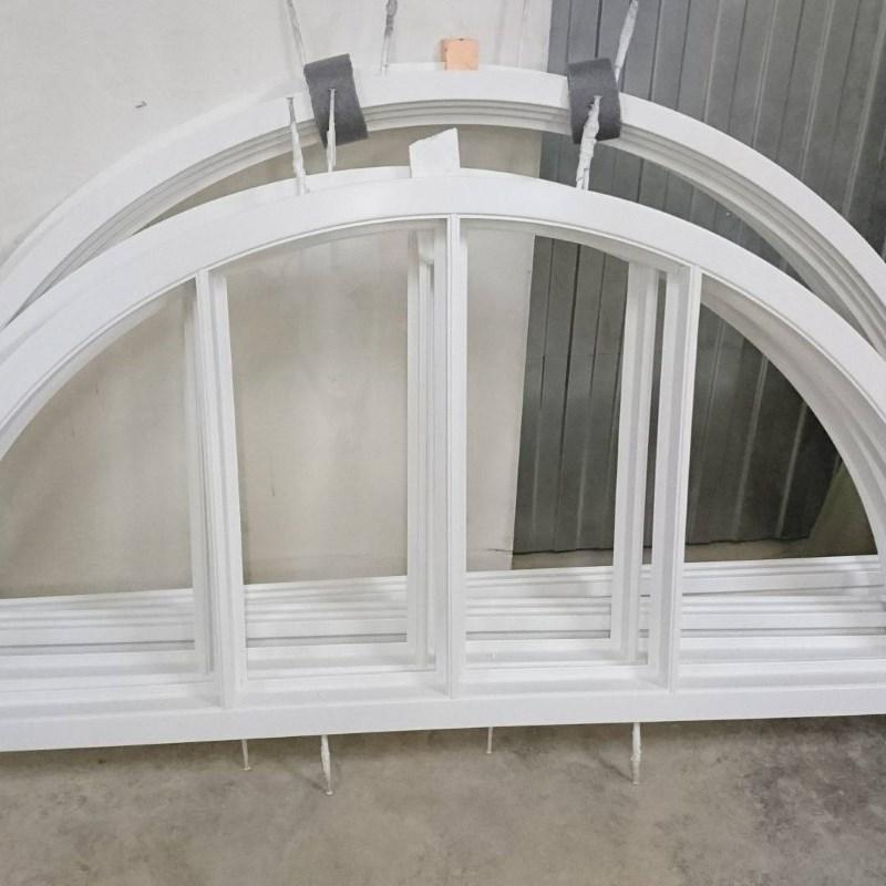 изготовление арочного окна сосна