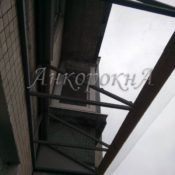 установка крыши из поликарбоната фото