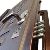 усиленный бронезамок на двери Гранит М5 фото