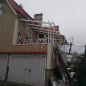 остекление балкона с крышей фото в СПб