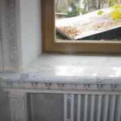 искусственный подоконник под мрамор для классического интерьера
