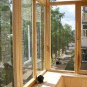 Деревянные окна для балкона фото